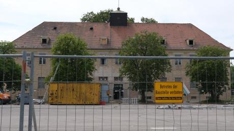 """Mehrere Kasernengebäude auf dem Reese-Areal werden derzeit abgerissen – auch die ehemalige """"Kantine"""". Die Bürgerinitiative zum Erhalt gibt noch nicht auf."""