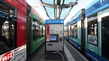 Zum 1. Juli steigen die Preise im Augsburger Verkehrsverbund (AVV) im Schnitt um knapp fünf Prozent – zum Ärger vieler Fahrgäste.