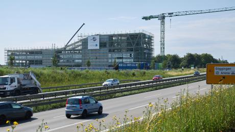 80.000 Fahrzeuge sind täglich auf der B17 entlang des Innovationsparks unterwegs. Wahrzunehmen ist von den Autofahrern daher auch das neue Bürogebäude, das im Frühjahr 2021 bezogen werden soll.
