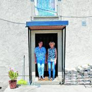 Georgine Greppmair und ihre Tochter Heidemarie wohnen derzeit zusammen. Allerdings nicht freiwillig – Mutter und Tochter finden einfach keine Wohnung in Augsburg, die sie sich leisten können.