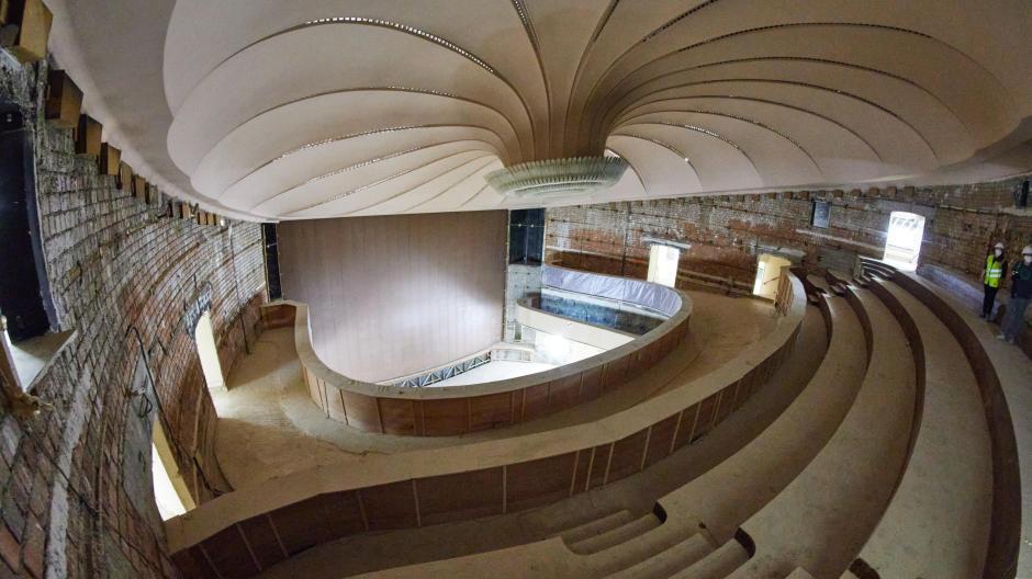 Eine Großbaustelle: So sieht es im Saal des Großen Hauses aus. Die komplette Sanierung soll zwischen 283 und 321 Millionen Euro kosten.