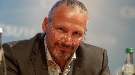 Einerseits ist er Gastronom, andererseits CSU-Fraktionschef im Stadtrat: Leo Dietz. Nun gibt es Kritik an dieser Doppelrolle.