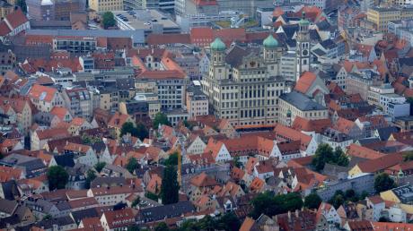Für die Stadt Augsburg sind die wirtschaftlichen Folgen der Corona-Krise noch nicht absehbar. Vor 25 Jahren stand die Stadt ebenfalls vor großen ökonomischen Herausforderungen.