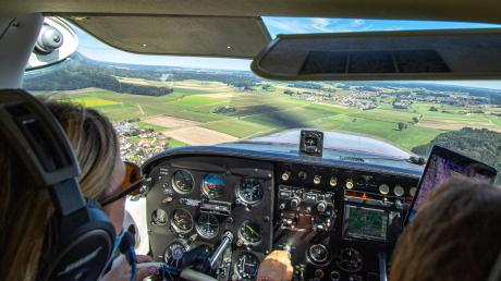 Pilotinnen sind gegenüber ihren männlichen Kollegen zwar deutlich in der Unterzahl. Doch beim Fliegen haben  Frauen besondere Talente.
