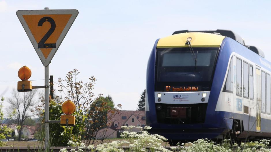 Verkehren künftig weniger Züge zwischen Augsburg und Friedberg?