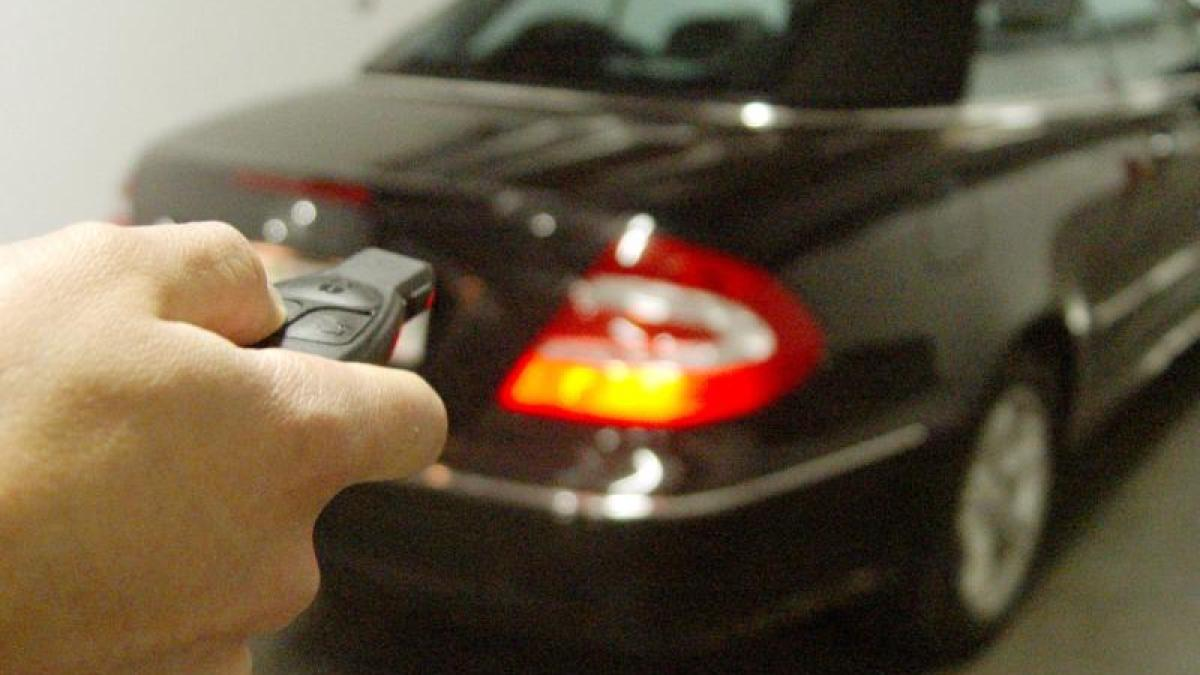 Adac Test Ohne Schlussel Ins Auto Keyless Systeme Leichte Beute