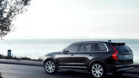 Große Premiere für Volvo: In Paris feiert der schwedische Hersteller die lang erwartete Neuauflage des XC90.