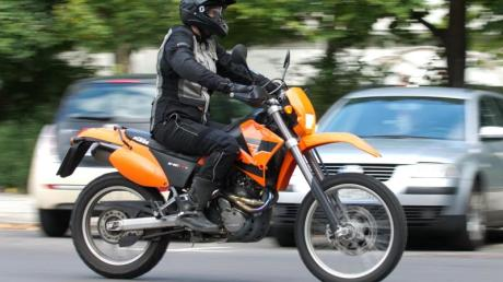 Motorradfahrer sollten an ihre Ohren denken.