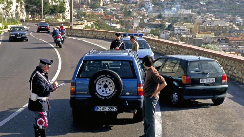 Verkehr Auto Unfall Im Ausland Wo Man Die Grune Karte Braucht