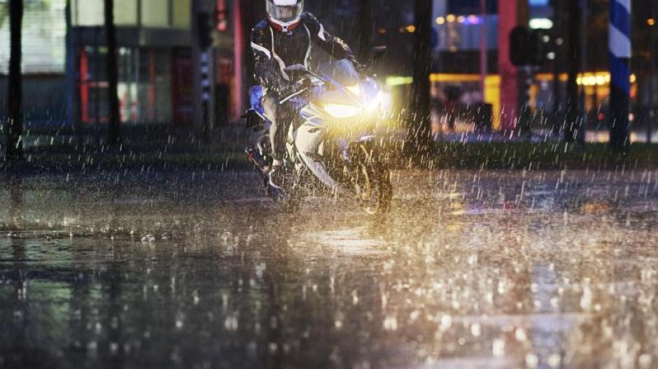 Upgrade Furs Licht H7 Lampen Furs Motorrad Teure Markenware Im Test Vorn Augsburger Allgemeine