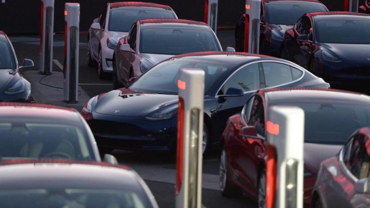 Elektromobilit t tesla kommt mit batterien f r model 3 immer noch nicht hinterher wirtschaft - Mobel um augsburg ...