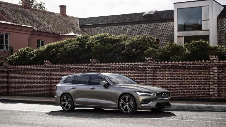 Ab Sommer Im Handel Volvo Erneuert Mittelklasse Kombi V60 Auto