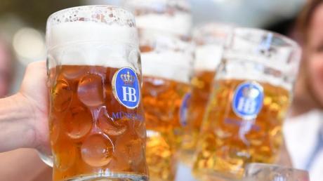 Wer viel Alkohol trinkt, sollte danach auf Sport verzichten.