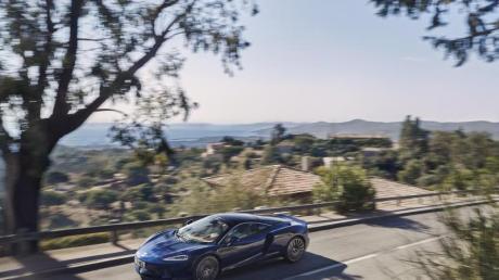 Mit dem GT will McLaren mehr Alltagskomfort und extrem rasante Fahrleistungen kombinieren.