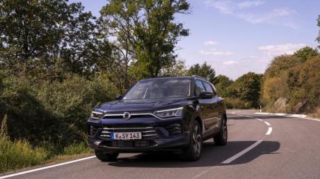 Optisch macht der Korando kaum noch einen Unterschied zum VW Tiguan oder Toyota RAV4. Mit einem Grundpreis von 22.990 Euro ist er jedoch deutlich günstiger.