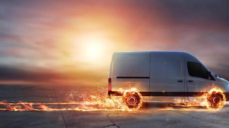 Transporter sind wichtige Fahrzeuge für Handwerker, Transportunternehmen und viele andere Wirtschaftszweige.
