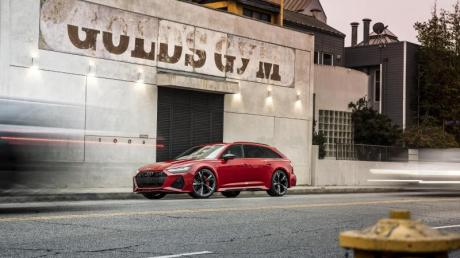Kombi aus der Muckibude: Dem Avant RS6 verpasst Audi einen 600-PS-Motor, der bis zu 800 Nm Drehmoment auf die Kurbelwelle wuchtet.