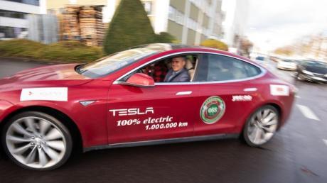 Eine Million Kilometer hat sein Tesla Model S, Baujahr 2013, seit dem 28. November auf dem Tacho.