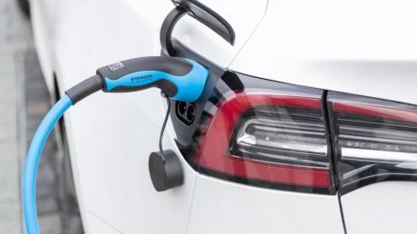 Ab 2020 könnten sogenannte CO2-Rabatte zu zusätzlichen Preisnachlässen beim Neukauf von emissionsarmen Autos führen.