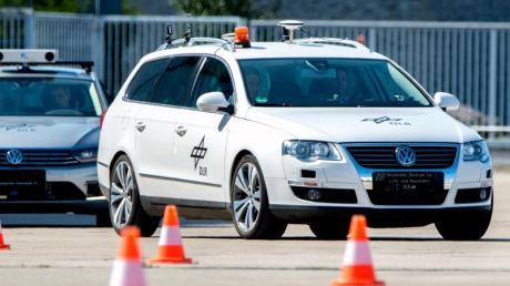 Autonom fahrende Fahrzeuge sind in Deutschland derzeit noch in der Testphase.