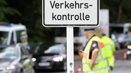 In Hamburg ermittelte die Polizei im vergangenen Jahr 246 Verstöße gegen Diesel-Fahrverbote und nahm dabei Bußgelder in Höhe von 7298,68 Euro ein.