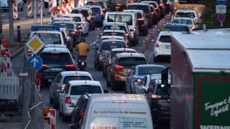Nichts geht mehr: In vielen Metropolen sind verstopfte Straßen inzwischen Alltag.