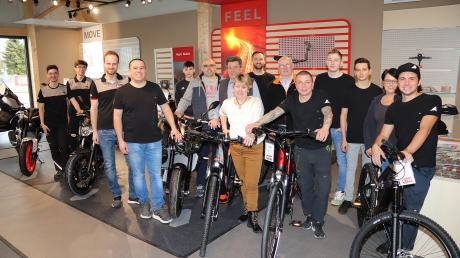 Die geballte Kompetenz im Bereich Fahrräder und Motorräder: Das Team von Zweirad Müller und der neu gegründeten MüKe-Bikes GmbH.