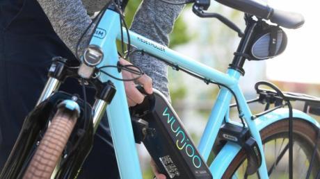 Nach der Radtour brauchen nicht nur E-Bike-Besitzer eine Pause - auch der Akku will jetzt neue Energie.