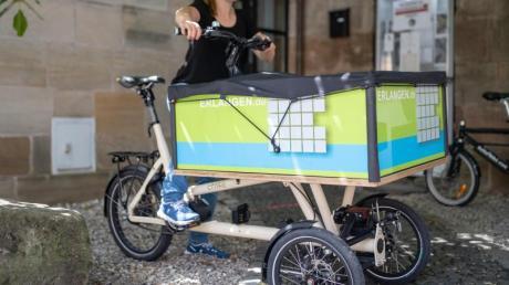 Hannah Thiemann, Radverkehrsbeauftragte der Stadt Erlangen, unterstützt den Verleih von Lastenrädern. Transporträder könnten die Verkehrswende bringen und Autos ersetzen.