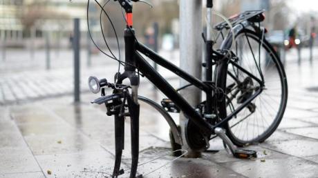 Zertreten und zerrupft: Manche Fahrradversicherungen kommen auch für Vandalismusschäden auf.