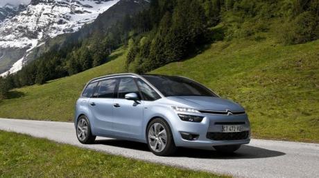 Vans wie der kompakte Citroën Grand C4 Picasso bieten viel Platz für Passagiere und Gepäck.