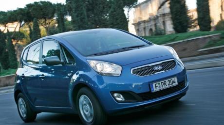 Möglichst viel Platz auf wenig Verkehrsfläche bieten Autos wie der Kia Venga.