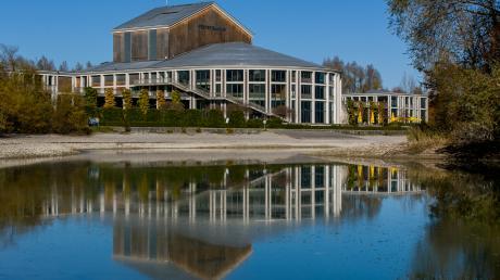 Fuessen_Festspielhaus_H285.jpg