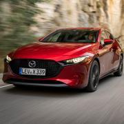 Mazda3_Skyactiv-X_dynamic_HB_soul_red_crystal_(4).jpg