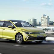Generation 8 rollt an: Auch der neue VW Golf ist als solcher sofort zu erkennen.