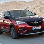 Ökologisch unterwegs mit bis zu 300 PS: der neue Opel Grandland X Hybrid 4.