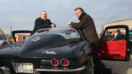Seine Autos sind Programm: Die Dienstwagen des Kölner Tatort-Kommissars Schenk (links) stammen meistens aus den 70er Jahren und meistens aus Amerika. Und sie wurden vorher beschlagnahmt. Im Bild eine Chevrolet Corvette.