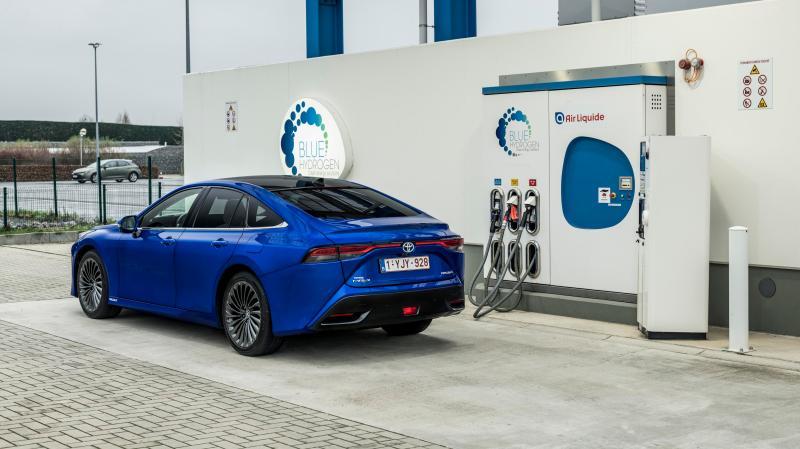Spannend: Das Wasserstoff-Auto Toyota Mirai im Test