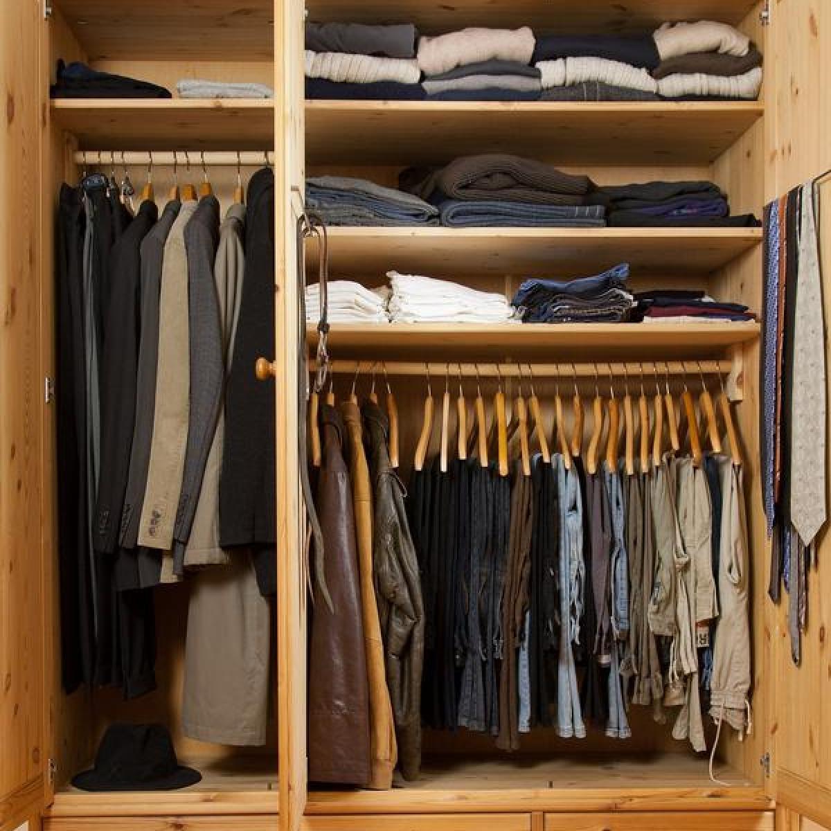 Wohnen: Stapeln oder hängen: Den Kleiderschrank planen - Bauen ...