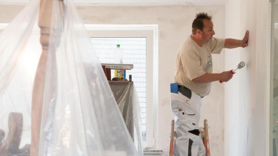 Wohnen In Folie Verpackt Renovieren Und Weiterhin Zu Hause Wohnen