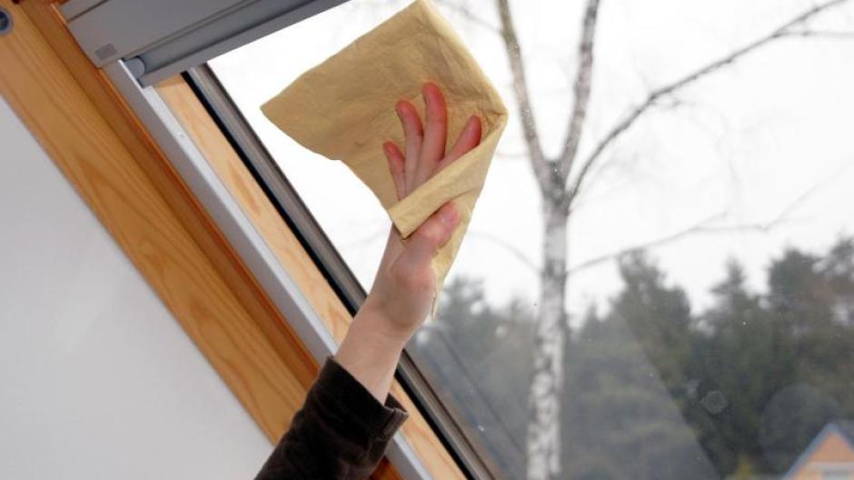 Immobilien: Fenster richtig putzen: Erst der Rahmen, dann das Glas ...