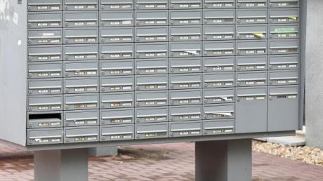Vermieter müssen darauf achten, dass die Maße der Briefkästen im Haus den Normvorgaben der Europäischen Union entsprechen. Foto: Jan Woitas