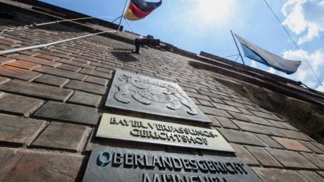 Das Oberlandesgericht in München verhandelt derzeit einen Fall, in dem ein Patient fälschlicherweise am gesunden Auge operiert wurde.