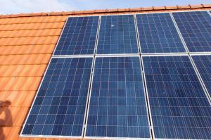 Solarstrom kann auch im eigenen Haus gespeichert werden.