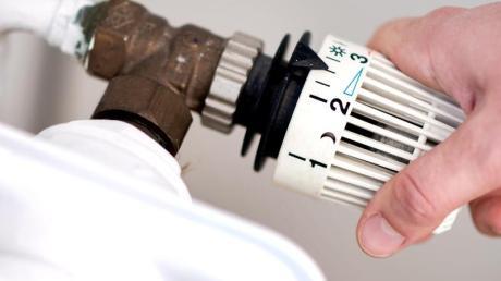 Seit dem 1. Januar gilt ein höherer CO2-Preis auf Öl und Gas. Vermieter sollen die Abgabe künftig zur Hälfte mittragen.