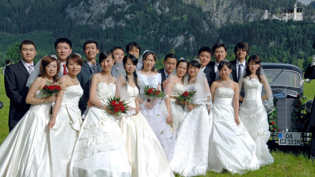 Das Betagte Ehepaar Feiert Goldene Hochzeit Lustige Witze