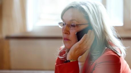 Nach der Inhaftierung des Inhofer Chefs soll die damalige Justizministerin Beate Merk bei der Staatsanwaltschaft angerufen haben. Hat sie damit in das Verfahren eingegriffen?