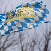 Für Deutschland ist am Donnerstag Sturm vorhergesagt. Auch für Bayern gibt es Warnungen - teilweise vor Unwetter.