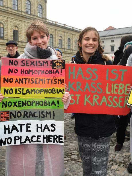 Protest: Singen gegen Pegida | Augsburger Allgemeine