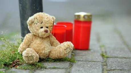 Eine Frau erstickte ihre Tochter mit einem Kissen - war sie schuldfähig?